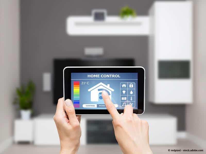 Per App wird mit dem Tablet die Haustechnik gesteuert