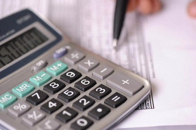 Keywords: Kleinunternehmerregelung, Umsatzsteuer, Umsatzsteuervoranmeldung, Umsatzgrenze, Grenzwerte, Einkommenssteuer, EÜR, Vorsteuerabzug, Mehrwertsteuer, Firmenkunde, Privatkunde