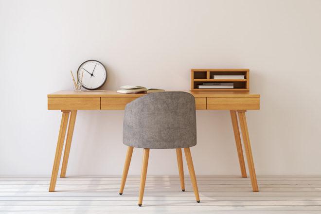 Bild mit Büromöbeln wie Schreibtisch und Stuhl, die möglicherweise als geringwertige Wirtschaftsgüter GWG abgeschrieben werden können