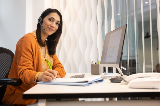 Eine Anwenderin beim DATEV Thementag Rechnungswesen