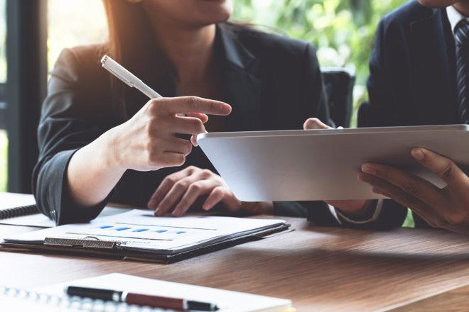 Steuerberater hilft dem Unternehmer in vielen Fragen