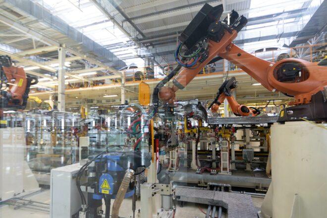 Foto einer automatierten Produktionsanlage als Symbol für die Digitalisierung, für die Unternehmen auch Fördergelder brauchen